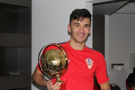 Slikovni rezultat za jelovčić najbolji igrač trofej crofutsal